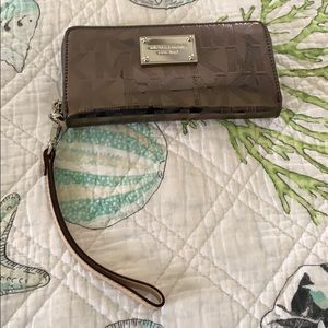 Michael Kors Wristlet Cell Phone Case Wallet